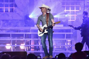 """AT&T and AUDIENCE® Network Present: """"Justin Moore: Live From Phoenix""""; Concert Special Airs Friday, June 23 at 9:00 p.m. ET/PT On DIRECTV and U-vers"""