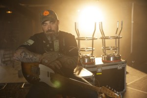 Aaron Lewis And Blackberry Smoke Confirm Co-Headlining Fall Tour