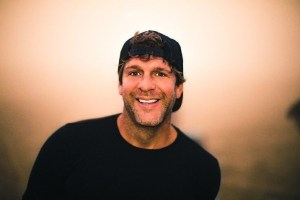 Billy Currington's 'Do I Make You Wanna' Hits #1
