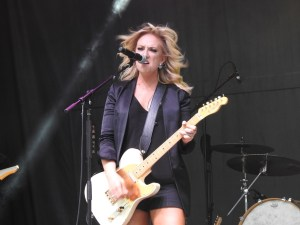 Clare Dunn gets the crowd ready for fireworks in the sky, with an explosive July 4th performance on stage