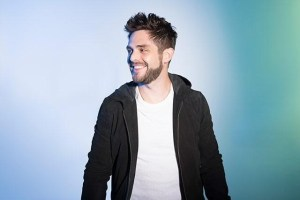 "Thomas Rhett announces brand new album ""Life Changes"" and new single ""Unforgettable"""