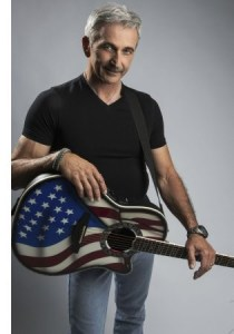Aaron Tippin performs on this weekend's edition of HUCKABEE