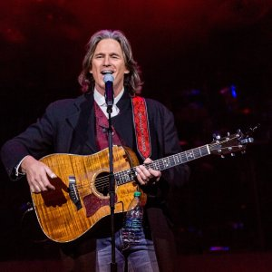 Billy Dean's tribute to Billy Graham reaches more than 10 million on Facebook