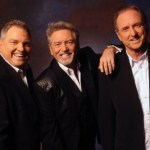 Larry Gatlin returns to host Opry Country Classics