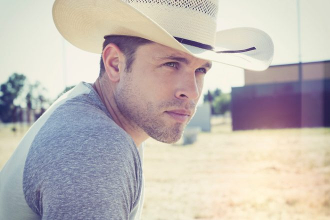Dustin Lynch 90617