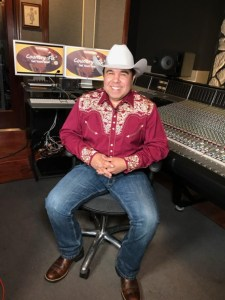 Singer/songwriter Bobby Marquez to host TV show, Country Fix