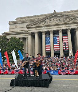 Jerrod Niemann honors troops at National Memorial Day Parade