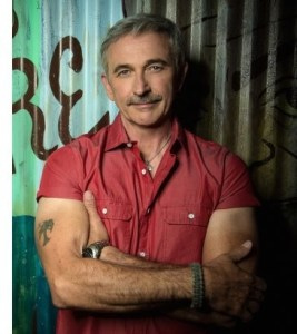 Aaron Tippin and John Anderson join police officers for Lip-Sync Challenge