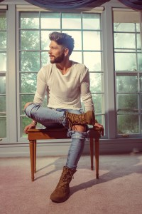 "Chris Lane's catchy ""I Don't Know About You"" at country radio now"