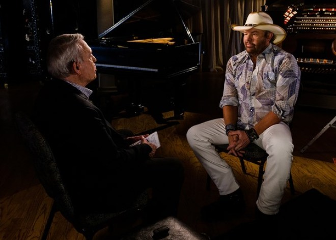 """f885a1f90a665 The """"Big Dog Daddy"""" rolls into the """"Trailerhood"""" as Country icon Toby Keith  sits down with Dan Rather in an all-new episode of The Big Interview on  Tuesday"""