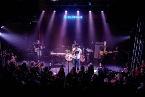 Country star, Walker Hayes, leaves fans wanting more following Showcase at the famed Troubadour