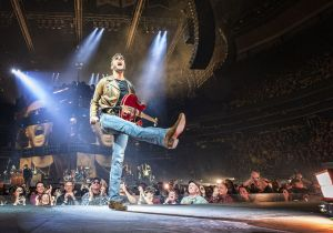 """Eric Church extends """"Double Down Tour"""" with 13 additional shows"""