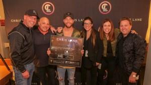 Chris Lane surpasses one billion career streams