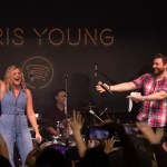 "Chris Young joins ""Billion-Airs"" Club with over 2 billion career streams"
