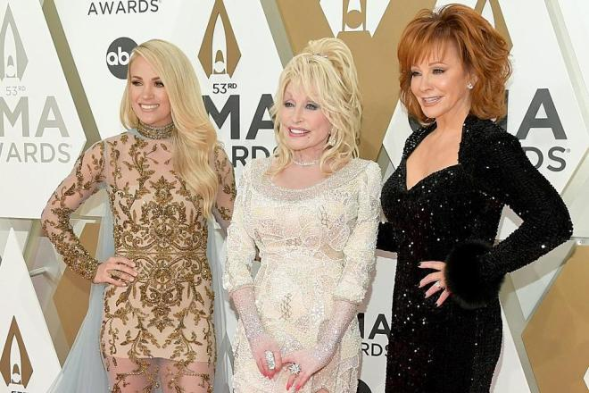 carrie-underwood-reba-mcentire-dolly-parton-cma-awards-red-carpet-e1573687521745