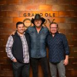 "Trace Adkins signs with Verge Records + Announces new single ""Better Off"""