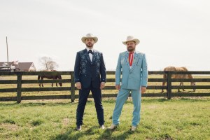 "Randy Rogers and Wade Bowen show off comedic camaraderie in ""Rodeo Clown"""
