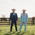 """Randy Rogers and Wade Bowen show off comedic camaraderie in """"Rodeo Clown"""""""