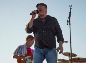 Collin Raye Lifts Spirits, Helps Stimulate Economy at Utah Concert