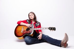 "Erin Enderlin premieres ""Fishin' In The Dark"" video with CMT and CMT.com"