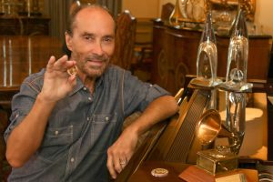 Lee Greenwood partners with Universal Coin & Bullion For 2020 Campaign