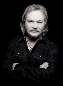 "Travis Tritt to release first single in over a decade, ""Ghost Town Nation"""