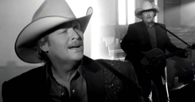 """Alan Jackson's """"Good Time"""" is About Having a Happy Life 11"""