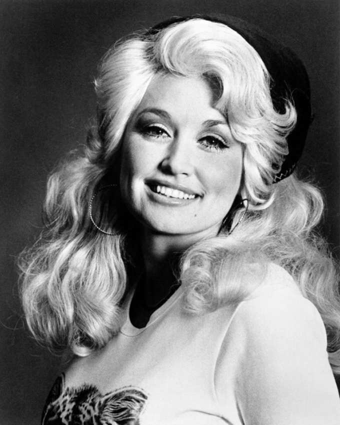 The Best Little Whorehouse in Texas, Dolly Parton