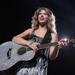 Taylor Swift Fearless Tour 2009 In New York City