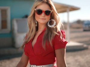 Miranda Lambert Little Red Wagon Video