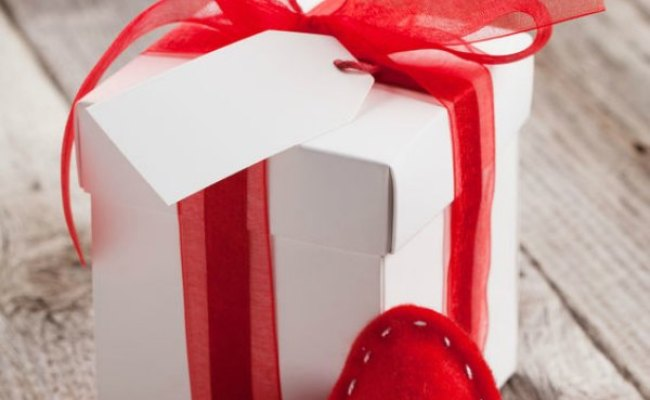 25 Valentine S Day Gifts For Her On A Budget Coupon Closet