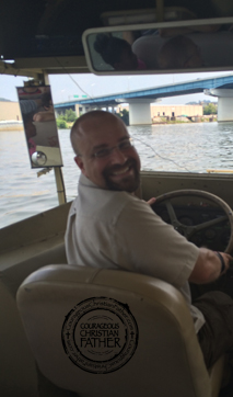 Captain ChristianBlogR piloting a Chattanooga Duck along the Tennessee River (Chattanooga Ducks)