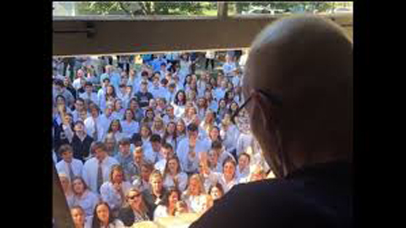 400 students serenade teacher fighting cancer with hymn Holy Spirit