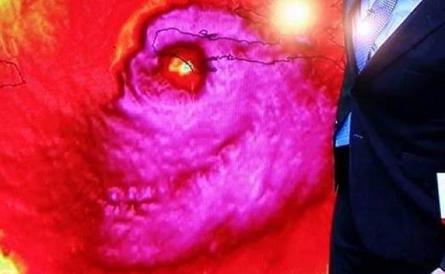 Hurricane Matthew Skull Pink