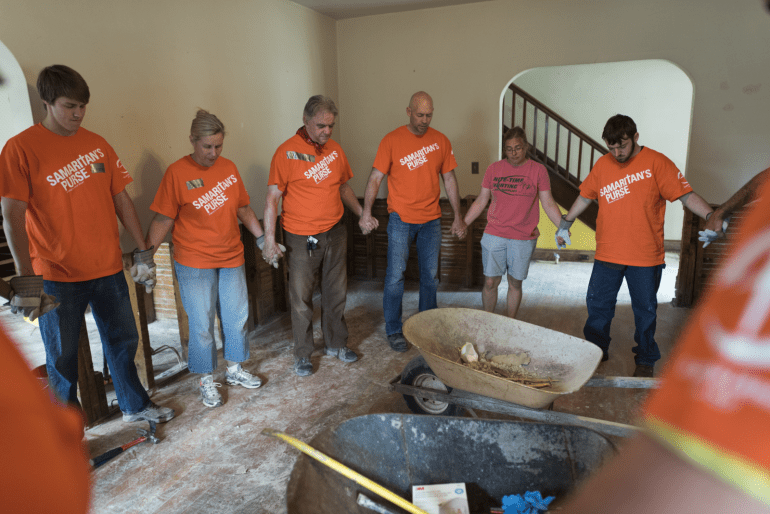 Hurricane Irma: Samaritan's Purse Deploys Disaster Response Teams to Florida and the Caribbean. Similar to this team that was sent following the devastating flooding in Greenbriar, West Virginia, in June 2016, Samaritan's Purse volunteers gathered to pray before starting relief work.
