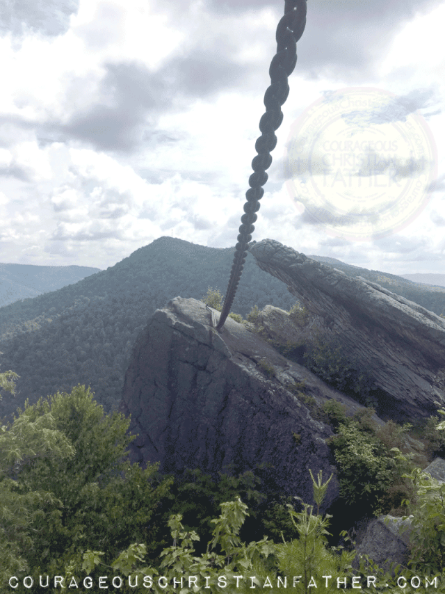 Chained Rock Pineville, KY (Pine Mountain State Resort Park) #ChainedRock