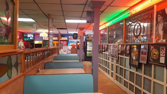 Harby's Pizza & Deli - Knoxville (Inside)