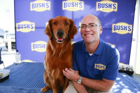 """Duke"" Bush's Baked Beans Dog Dies"
