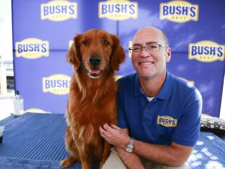 """""""Duke"""" Bush's Baked Beans Dog Dies"""