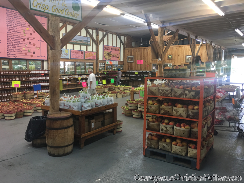 Carvers Orchard & Farm Market Inside