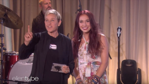 Lauren Daigle on The Ellen Show singing Still Rolling Stones