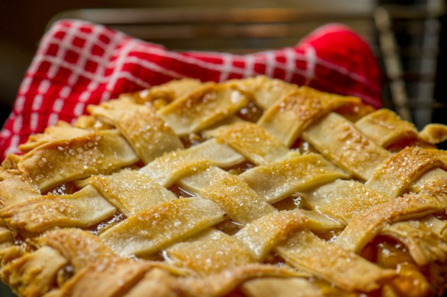 · Pie: Fair-goers are likely to happen upon a pie-eating contest or pie-tasting tent. Many prefer to indulge in a piece of pie while at the fair, preferring such treats to sweeter, heavier desserts.