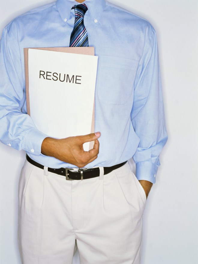 The right ways to update a résumé - Updating a résumé with the goal of standing out among a crowded pool of applicants is a great way for job seekers to land a new job.