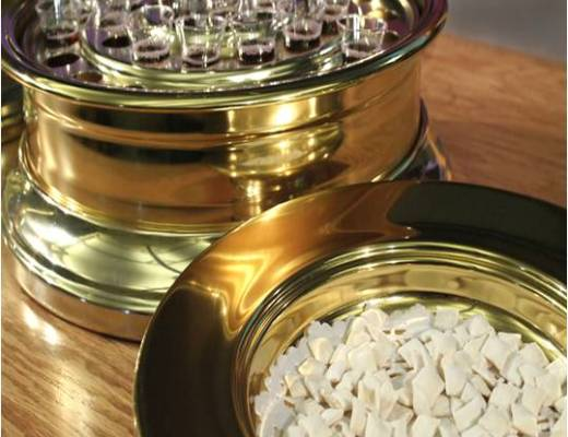 World Communion Sunday - a day set aside to get churches worldwide to do communion together on the same day. #WorldCommunionSunday #CommunionSunday