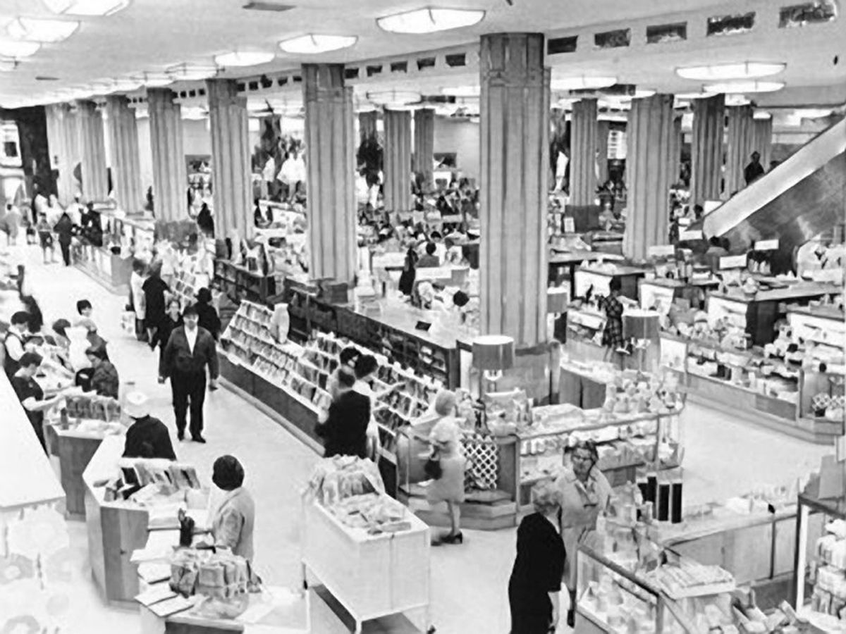 Shoppers Relish Memories Of Hartfords Downtown Stores G