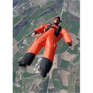 parachutiste équipé d'un tracking suit