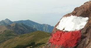 balise sur un rocher GR20