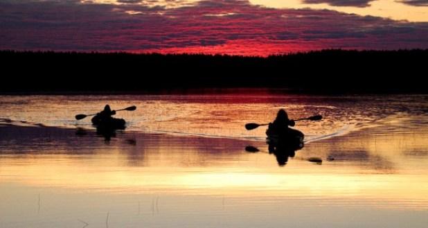 coucher-de-soleil-kayak-alaska-coureur-des-bois