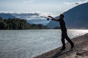 Pêche au saumon dans le courant de la Skeena