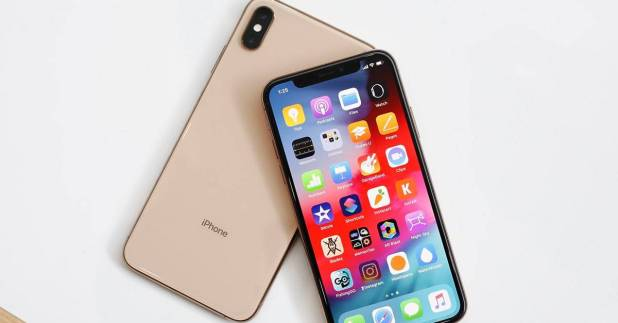 سعر ومواصفات هاتف iPhone XS الجديد من ابل لهذا العام